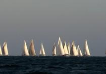 Collisione durante regata, barca affonda
