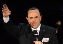 Festival di Sanremo, uno spettatore contesta l'imitazione di Crozza