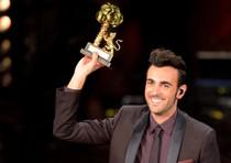 Sanremo, Moda' e Mengoni top vendite