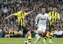Champions, Borussia in finale