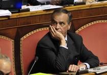 Calderoli contro Bossi,viola regolamento