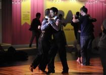 Argentina: anche il tango apre ai gay