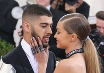 Gigi Hadid and Zayn Malik attend the 'Manus x Machina: Fashion In An Age Of Technology' Costume Institute Gala at Metropolitan Museum of Art on May 2, 2016. Inquisitr.