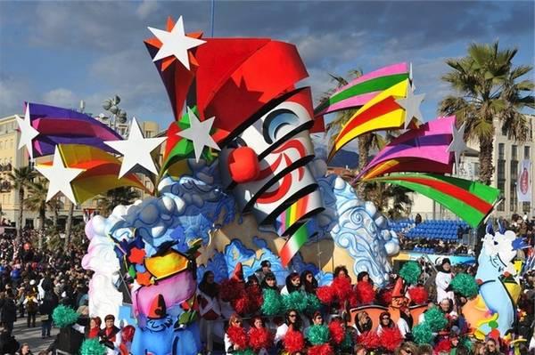 Carnevale viareggio satira e risorgimento in viaggio for Idee per carri di carnevale semplici