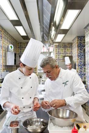 Confindustria alberghi premia ristorante viva voce in for Confindustria alberghi