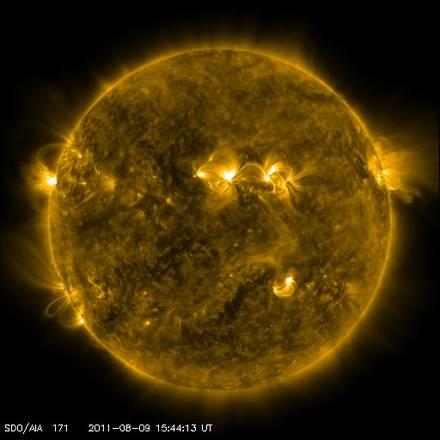 Një shpërthim tjeter i fuqishëm diellor rrit rreziqet për telekomunikacionet  1312914544874_sole1