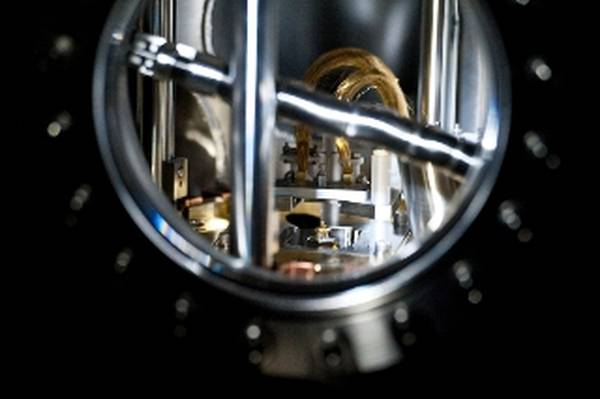 Il microscopio a effetto tunnel utilizzato per costruire il nanomotore elettrico (fonte: Alonso Nichols)