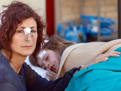 2009 Madre e figlia sopravvissute al terremoto in Abruzzo