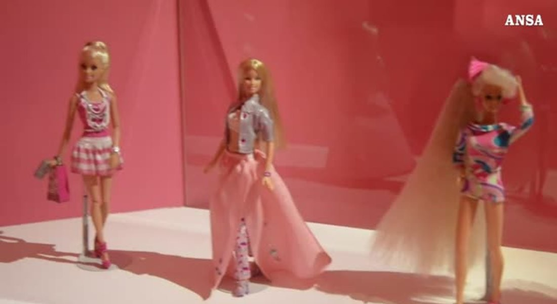 Barbie compie 60 anni, non e' solo un'icona fashion © ANSA
