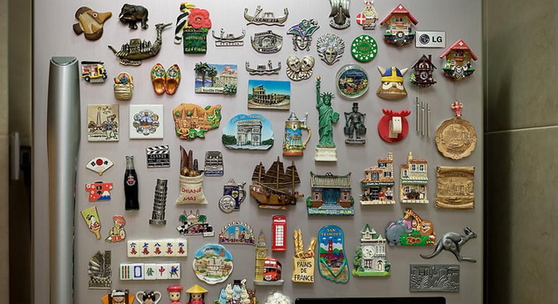 Magneti-souvenir sul frigorifero © Ansa