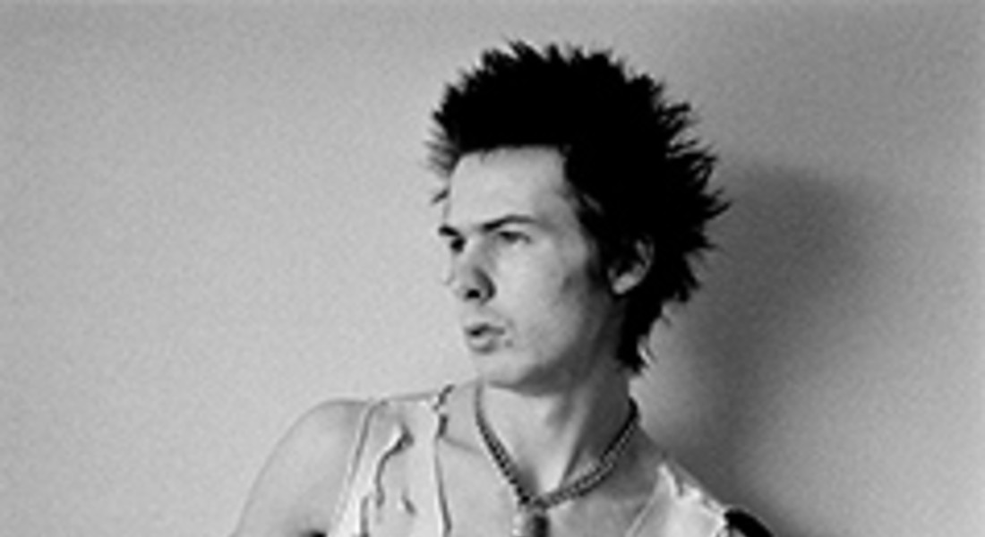 "Sid Vicious, 1977 Photograph © Dennis Morris - all rights reserved. Dalla mostra al Met 2013 ""Punk: Chaos to Couture' © Ansa"