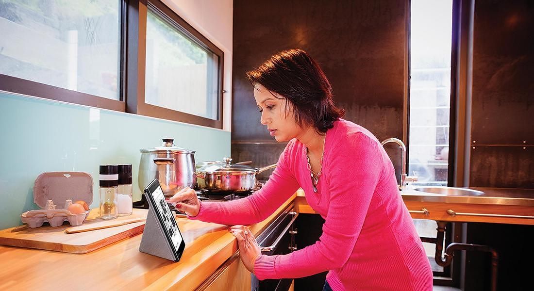 eReading in cucina © ANSA
