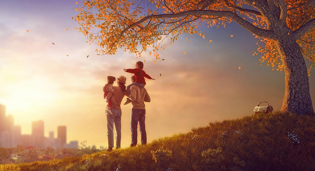 Una famiglia guarda al futuro foto Choreograph iStock. © Ansa