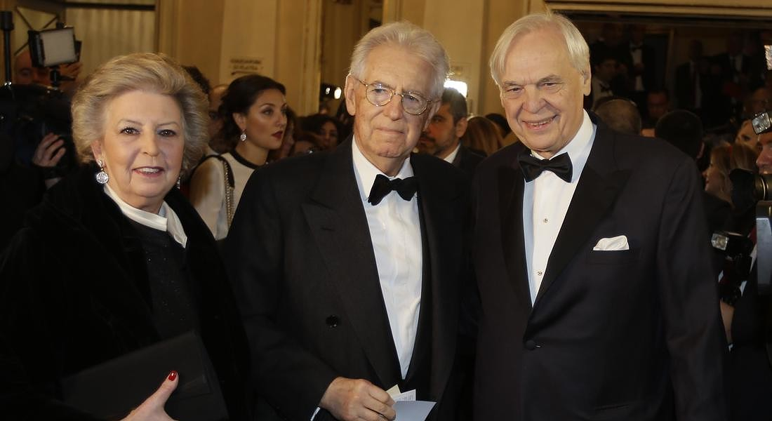 Mario Monti, center, is flanked by his wife Elsa Antonio and Alexander Pereira © AP