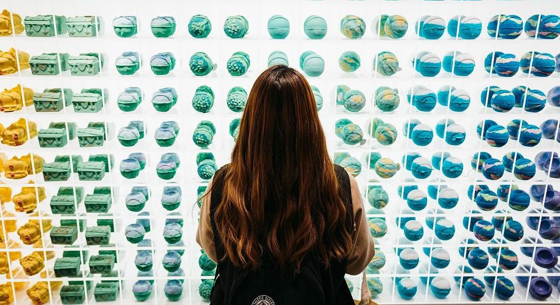 Arte e innovazione a tokyo apre un negozio solo di bombe da bagno beauty fitness - Lush bombe da bagno ...