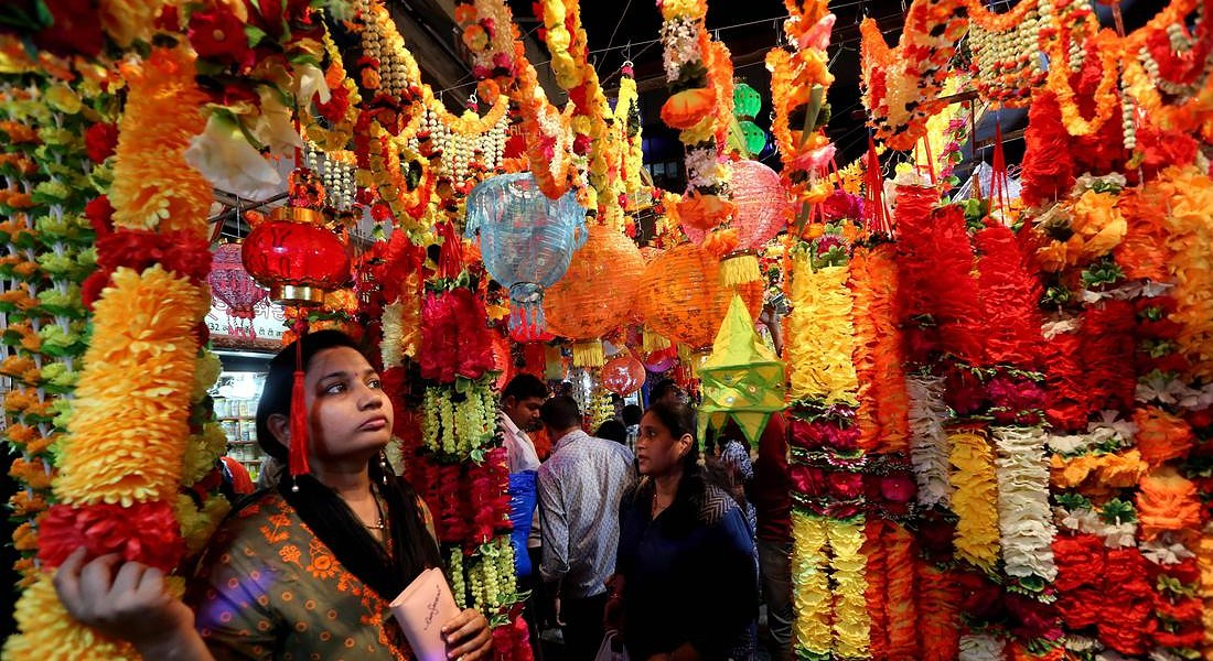 Diwali festival shopping in Bhopal © EPA