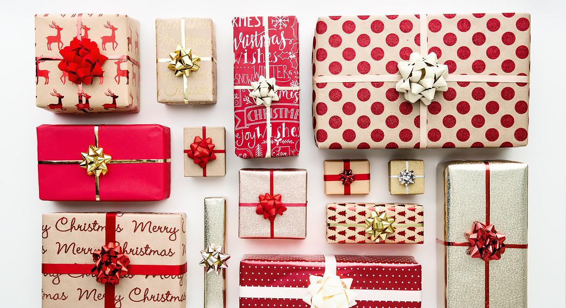 pacchi dono per Natale foto iStock. © Ansa
