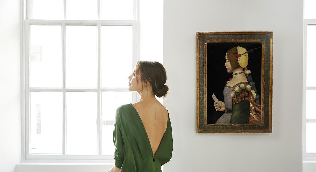 Victoria_Beckham x Old Master Paintings_Lucas Cranach the Elder_ Photo Credit Chris Floyd © ANSA