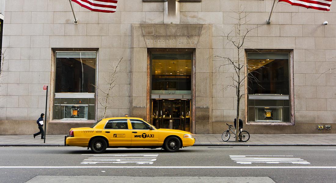 Tiffany & Co : lo storico negozio tra 57th e Fifth Avenue a New York, aperto nel 1940 . foto iStock. © Ansa