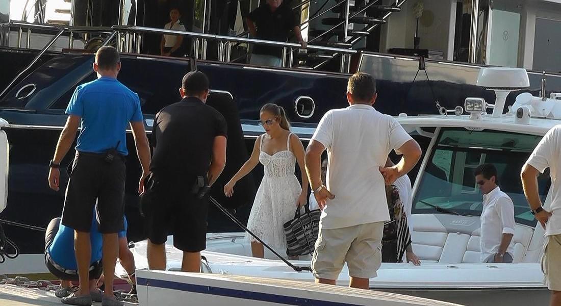 Jennifer Lopez a Capri con il fidanzato, la stella del baseball Alex Rodriguez © ANSA