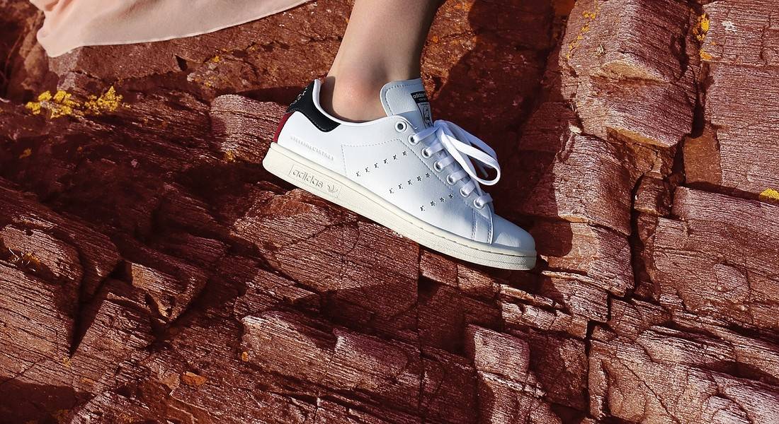Stan Smith  versione vegana Stella McCartney © Ansa
