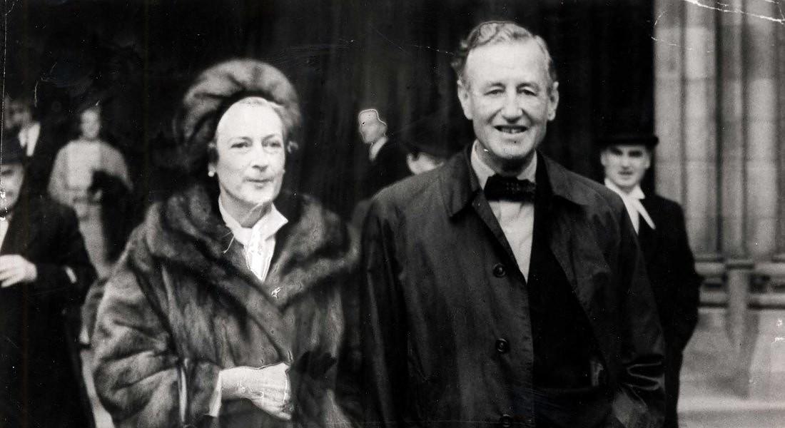 Ian e Ann Fleming . Credit: Daily Mail/Shutterstock © Ansa