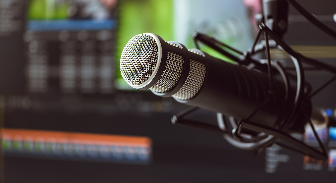 Microfono e registratore per la realizzazione di podcast foto iStock. © Ansa
