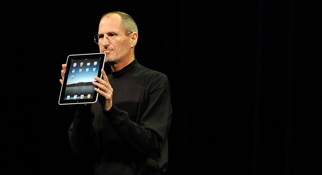 Apple Inc. CEO and co-founder Steve Jobs unveils iPad - 2010 © EPA