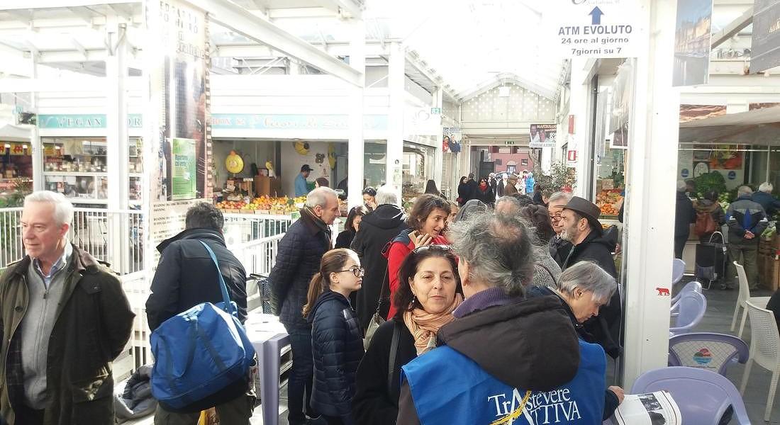 Aperte le adozioni degli alberi a Roma, presentazione del progetto al mercato di Testaccio © ANSA