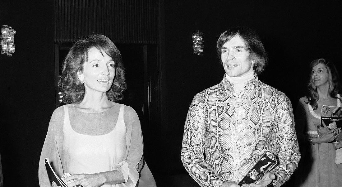 Rudolf Nureyev con la principessa Lee Radziwill - in una foto del 1974 © AP