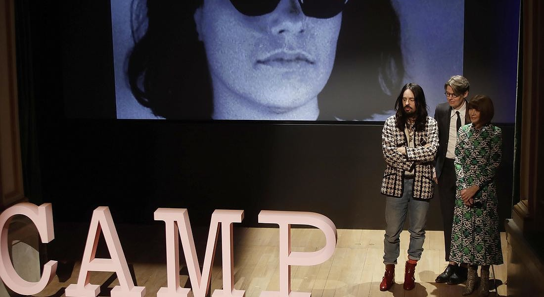 Anna Wintour con il curatore Andrew Bolton e Alessandro Michele presentano a Milano  Camp: Notes on fashion, la mostra al Met di New York dal 9 maggio all'8 settembre © AP