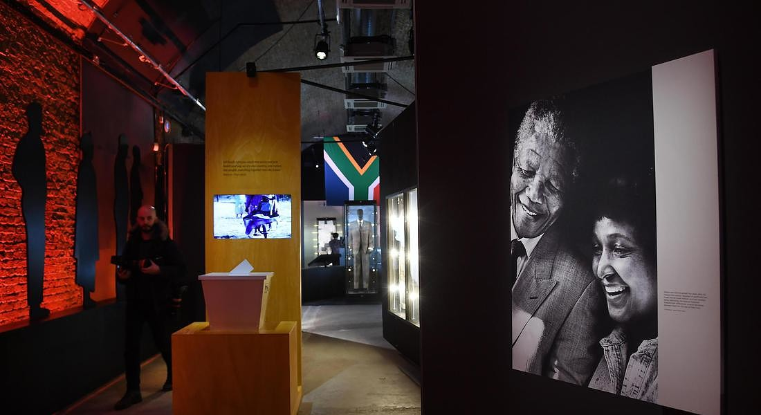 Mandela: The Official Exhbition opens in London © EPA