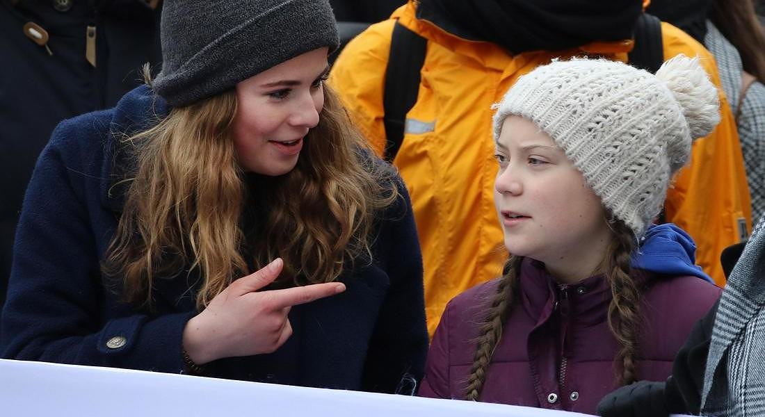 Greta Thunberg durante la protesta per il clima ad Amburgo insieme a Lisa  Neubauer © EPA