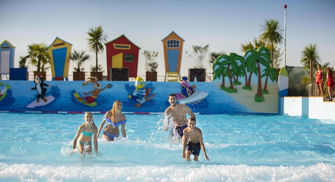 Mirabeach family wave pool © ANSA