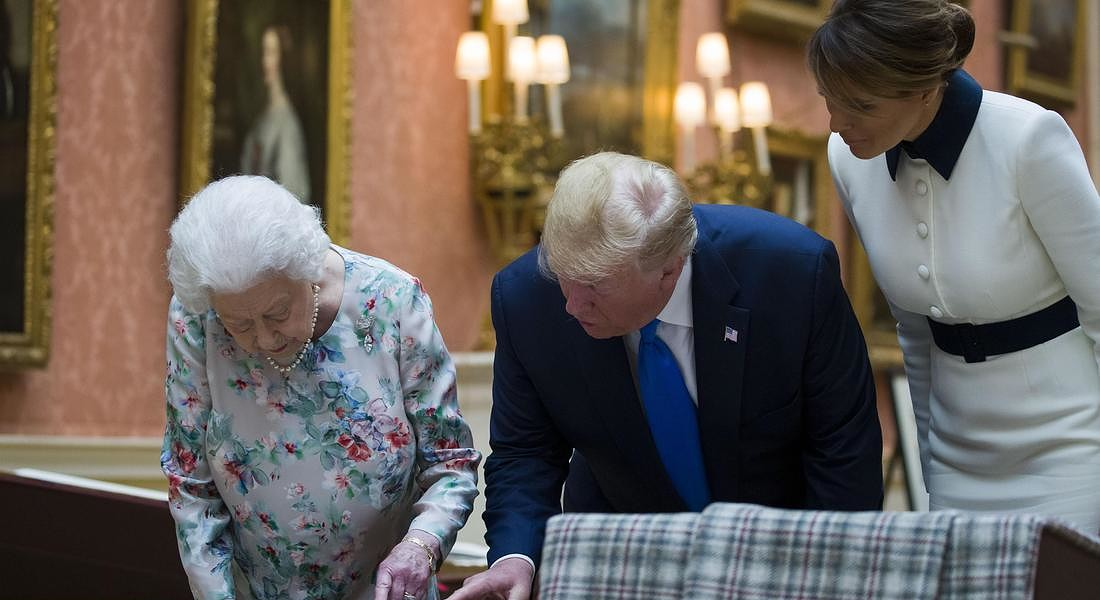 Donald Trump,Melania Trump,Queen Elizabeth II © AP