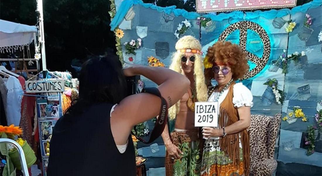 Ibiza hippy: nel mercato di Las Dalias a Sant Carles de Peralta. Un 'photocall' d'epoca per i turisti che vogliono tornare indietro nel tempo © ANSA