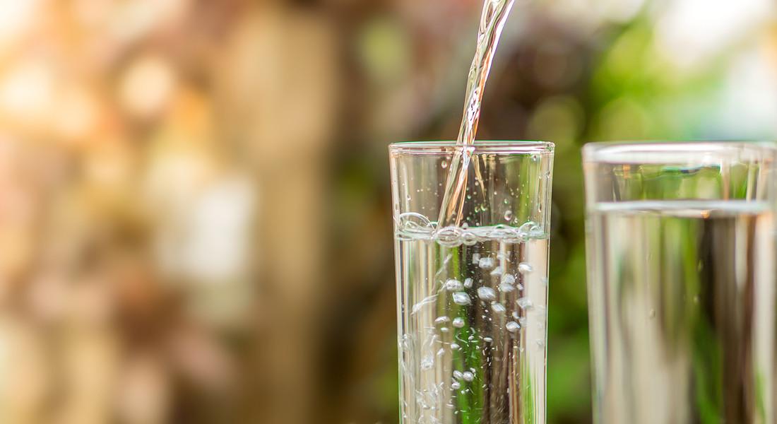 Utilizzate un bicchiere extra bianco, facendo attenzione alla temperatura è il primo consiglio dell'idrosommelier per una degustazione perfetta della bevanda più preziosa: l'acqua. foto iStock. © Ansa
