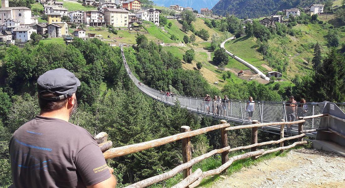Ponte nel Cielo, la passerella tibetana più alta d'Europa. SI trova a Campo, contrada di Tartano (Sondrio) © ANSA