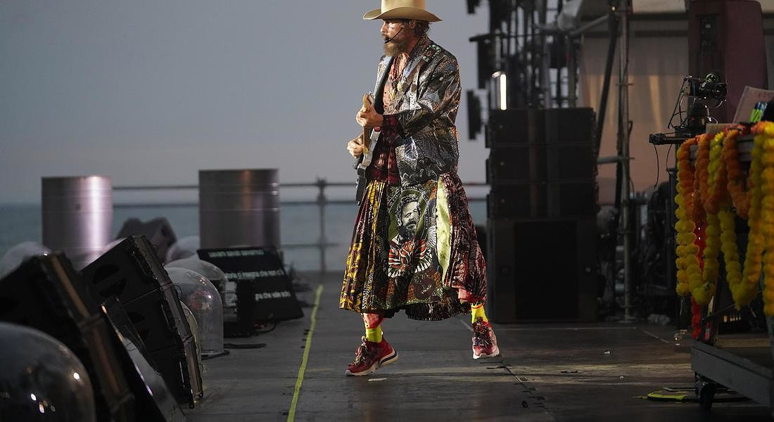 Jova Beach Party, la festa dell'estate. Jovanotti veste Christian Dior © ANSA