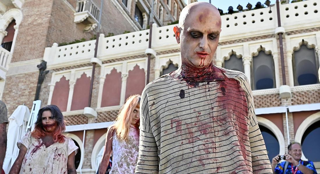 76th Venice International Film Festival Performers dressed up as zombies arrives at the Lido Beach to present the documentary 'Fulci for  fake' © ANSA