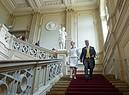 La principessa tedesca Stefania di Saxe-Coburg e Gotha e il marito Jan Stahl lasciano il Duke Museum dopo il loro matrimonio civile al castello di  Friedenstein in Gotha, Germania. Luglio 2018 (ANSA)