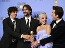 Lady Gaga, Anthony Rossomando, Andrew Wyatt e Mark Ronson in posa con il premio Golden Globe per la miglior canzone originale per Shallow (A Star is Born) (ANSA)