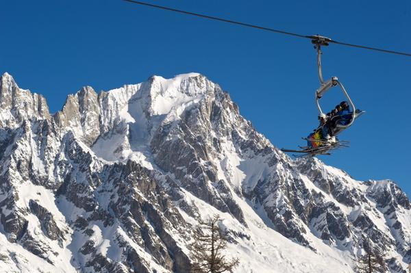 Vacanze sulla neve a misura di famiglia in Valle d'Aosta © ANSA