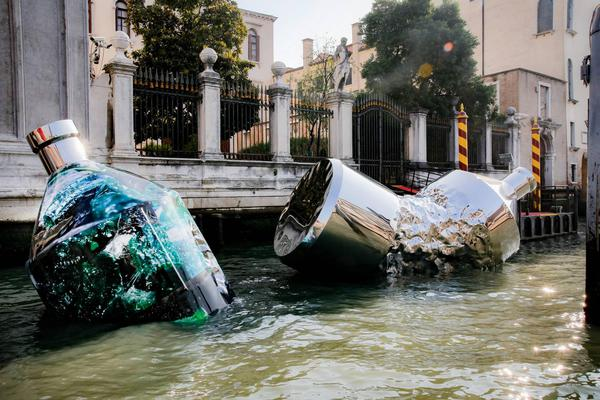 Arte contro plastica a Venezia