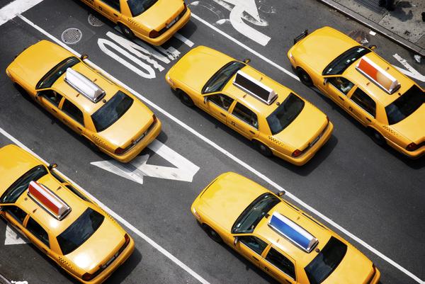 Taxi per l'aeroporto, Amsterdam e Londra le più care