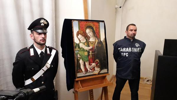 "In Italia dipinto ""Madonna col Bambino"""