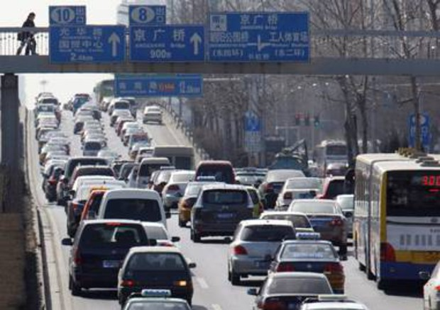 Traffic Jam in China goes for 60 Miles © EPA