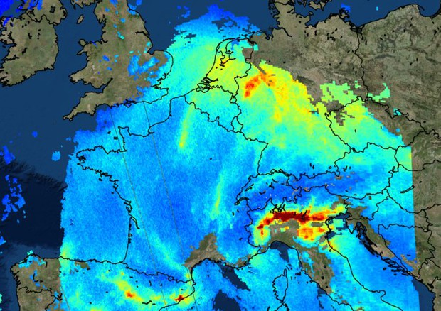 Cartina Geografica Satellitare.Dallo Spazio Le Mappe Dell Inquinamento C E Anche L Italia Spazio Astronomia Ansa It