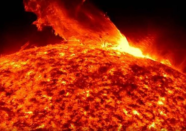Violente esplosioni nel lato nascosto del Sole - Spazio & Astronomia -  ANSA.it