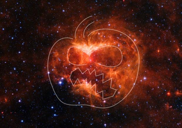 Per Halloween una zucca cosmica ai confini della Via Lattea